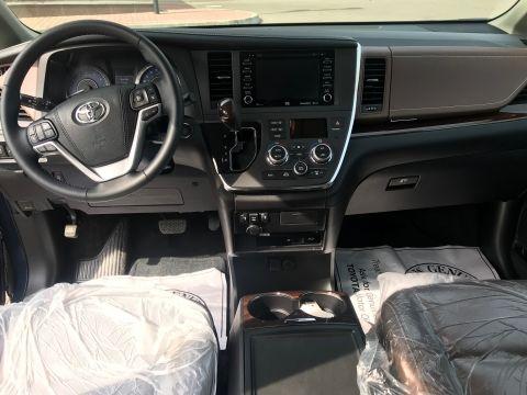 Toyota Sienna Limited AWD